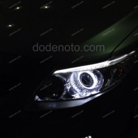 Độ bi xenon, angel eyes, LED mí khối, đèn gầm Altis 2009
