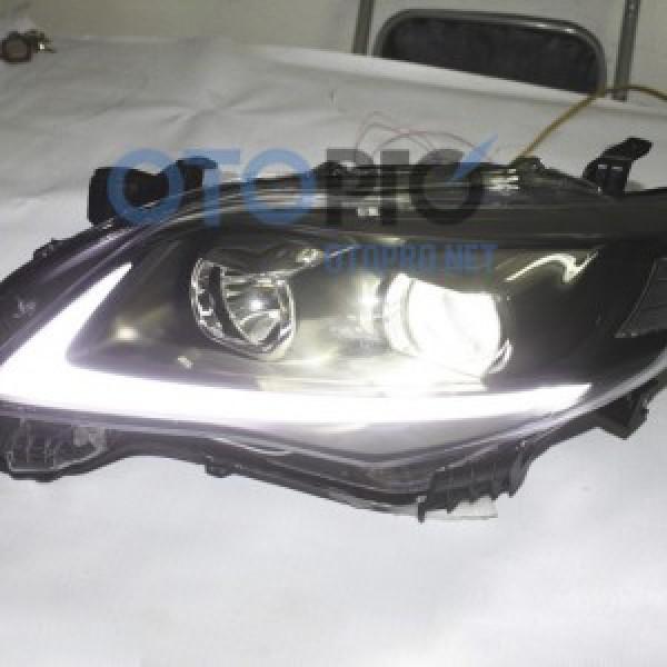 Đèn pha độ xe Altis Corolla 2013 mẫu LED khối kiểu Lexus
