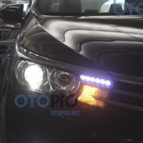 Độ đèn pha bi xenon, LED daylight cho xe Altis 2014-2015