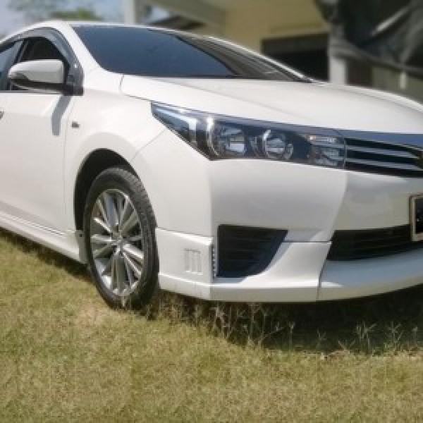 Bodylips cho xe Corolla Altis 2014-2015 mẫu R1