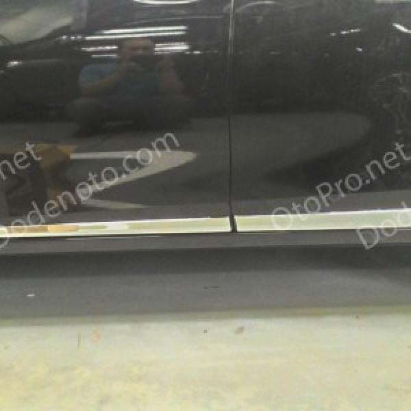 Nẹp thân xe, sườn xe Toyota Altis Corolla 2014