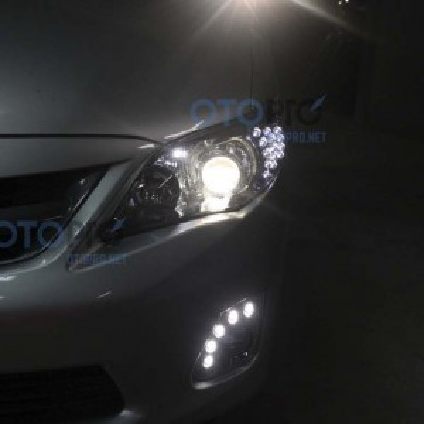 Độ bi xenon, xi nhan LED, đèn gầm LED cho Altis Corolla
