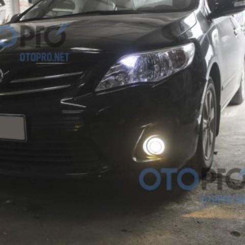 Độ bi xenon cho đèn gầm xe Toyota Altis