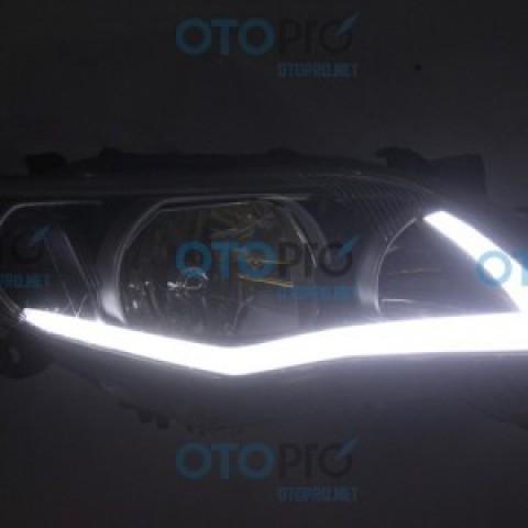 Độ dải LED mí khối mờ cho xe Toyota Altis