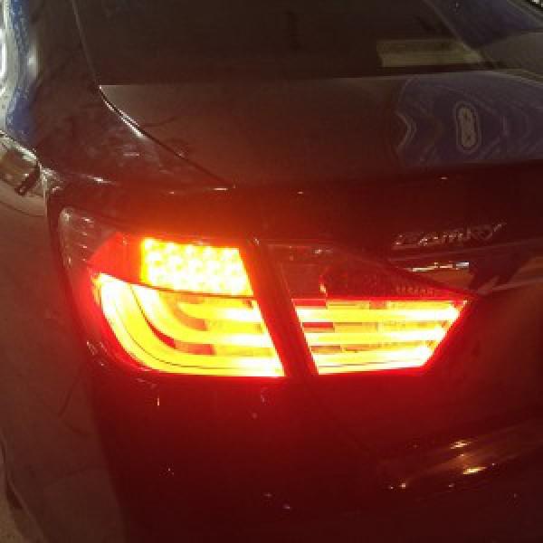 Camry 2014 lắp đèn hậu nguyên bộ mẫu Hybrid
