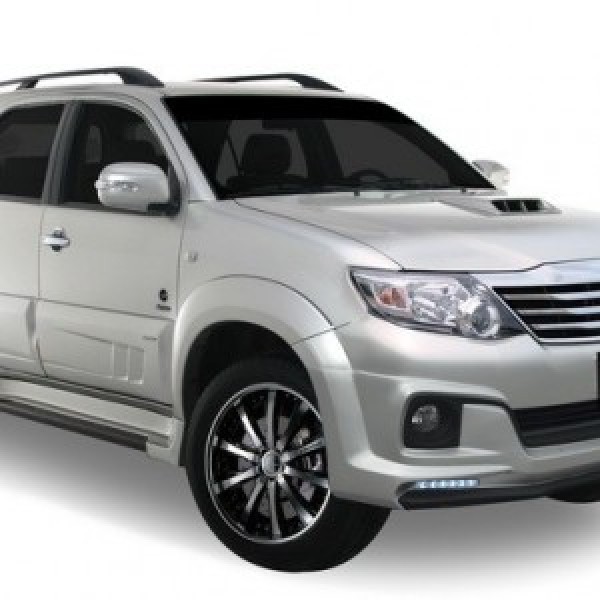 Body kit Fortuner 2012-13 mẫu P-COM