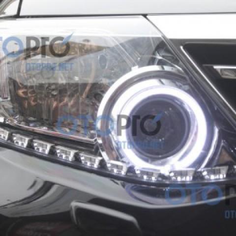 Độ vòng angel eyes, dải LED mí Transformer cho xe Fortuner