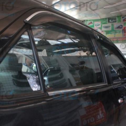 Vè che mưa cao cấp cho xe Toyota Fortuner