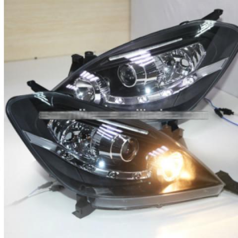 Đèn pha độ LED nguyên bộ xe Toyota Innova 2004-2011 mẫu LED hạt