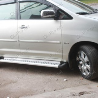 Bậc dẫm lên xuống, bệ bước chân cho xe Toyota Innova