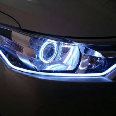 Toyota Vios độ bi Q5 siêu sáng, vòng angel 2 màu, dải led mí Silicol