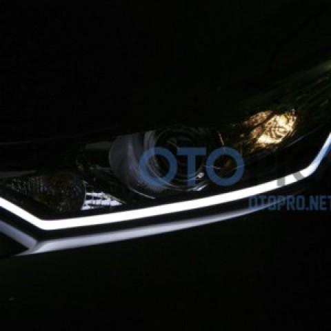 Độ dải LED mí khối đèn pha cho xe Toyota Vios 2014-2015