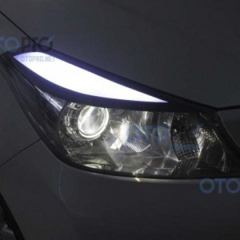Độ đèn bi xenon, projector, LED mí khối cho xe Yaris 2013